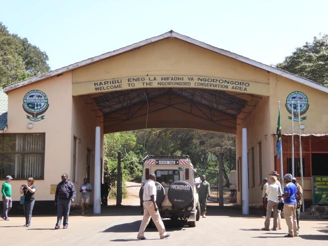 Eingang zum Ngorongoro Krater